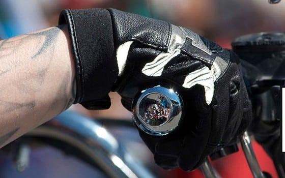 Homologation gants 2016