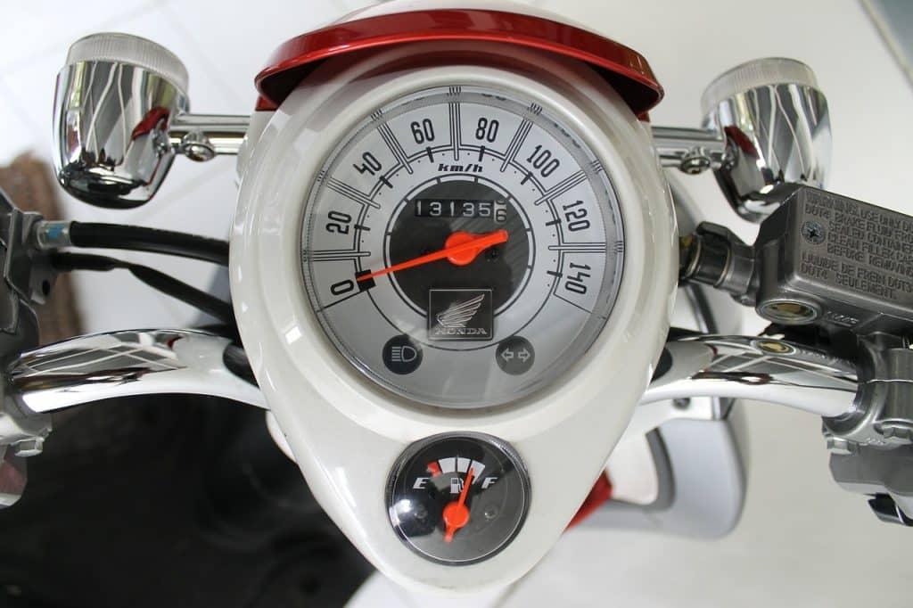 compteur et jauge essence deux-roues motorisé
