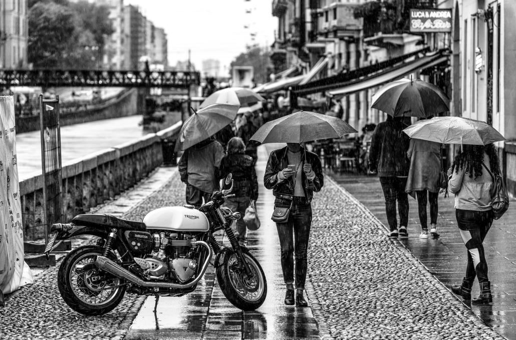 moto sous la pluie ©Riccardo Chiarini