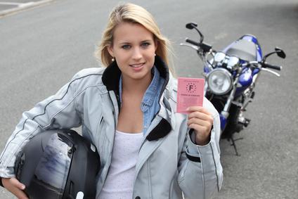 femme permis moto
