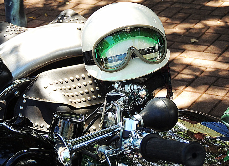 casque et moto old school