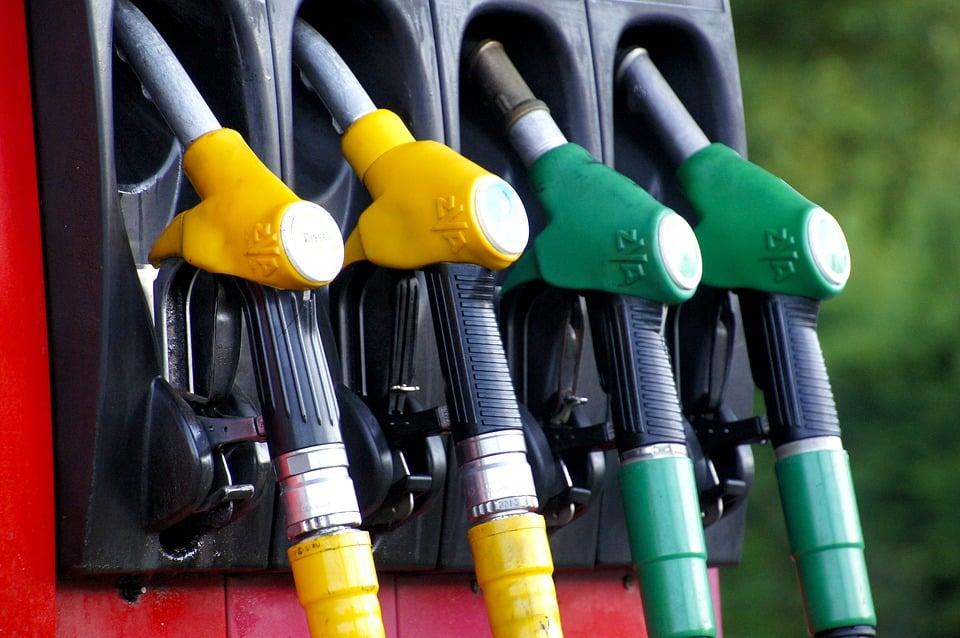 Consommer moins de carburant à moto