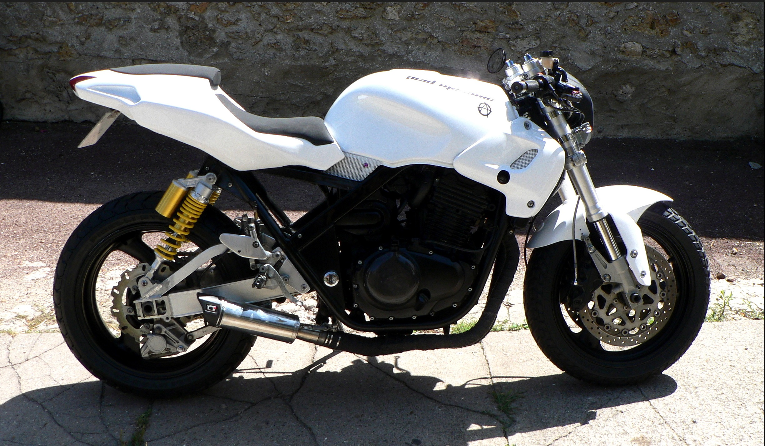 Honda CB 500 RR blanche