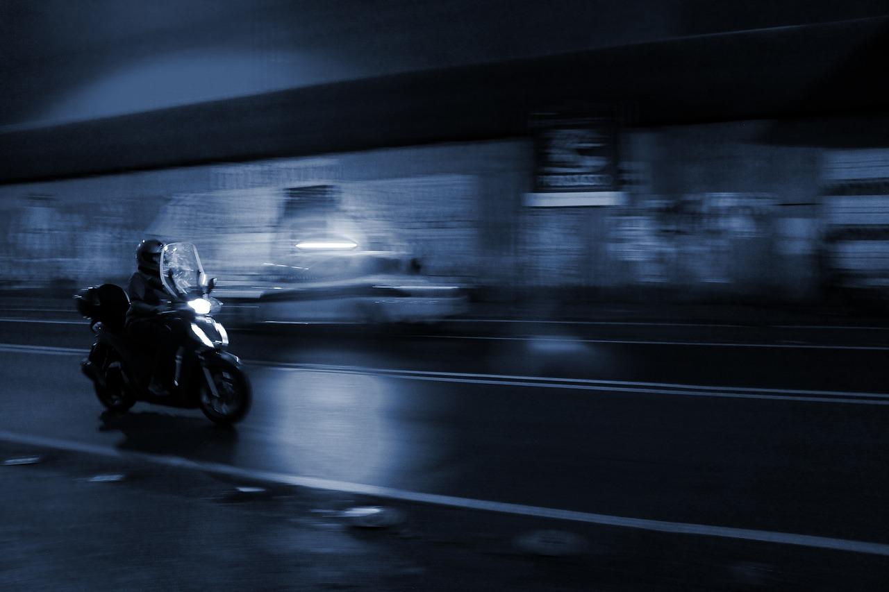 être visible la nuit à moto