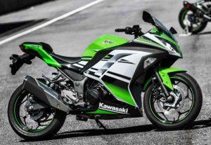 TOP 10 motos pour débuter : Kawasaki ninja300