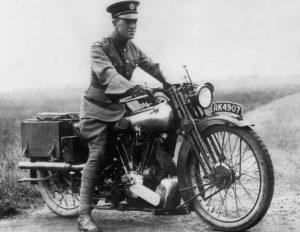 Histoire du casque moto : Lawrence d'Arabie