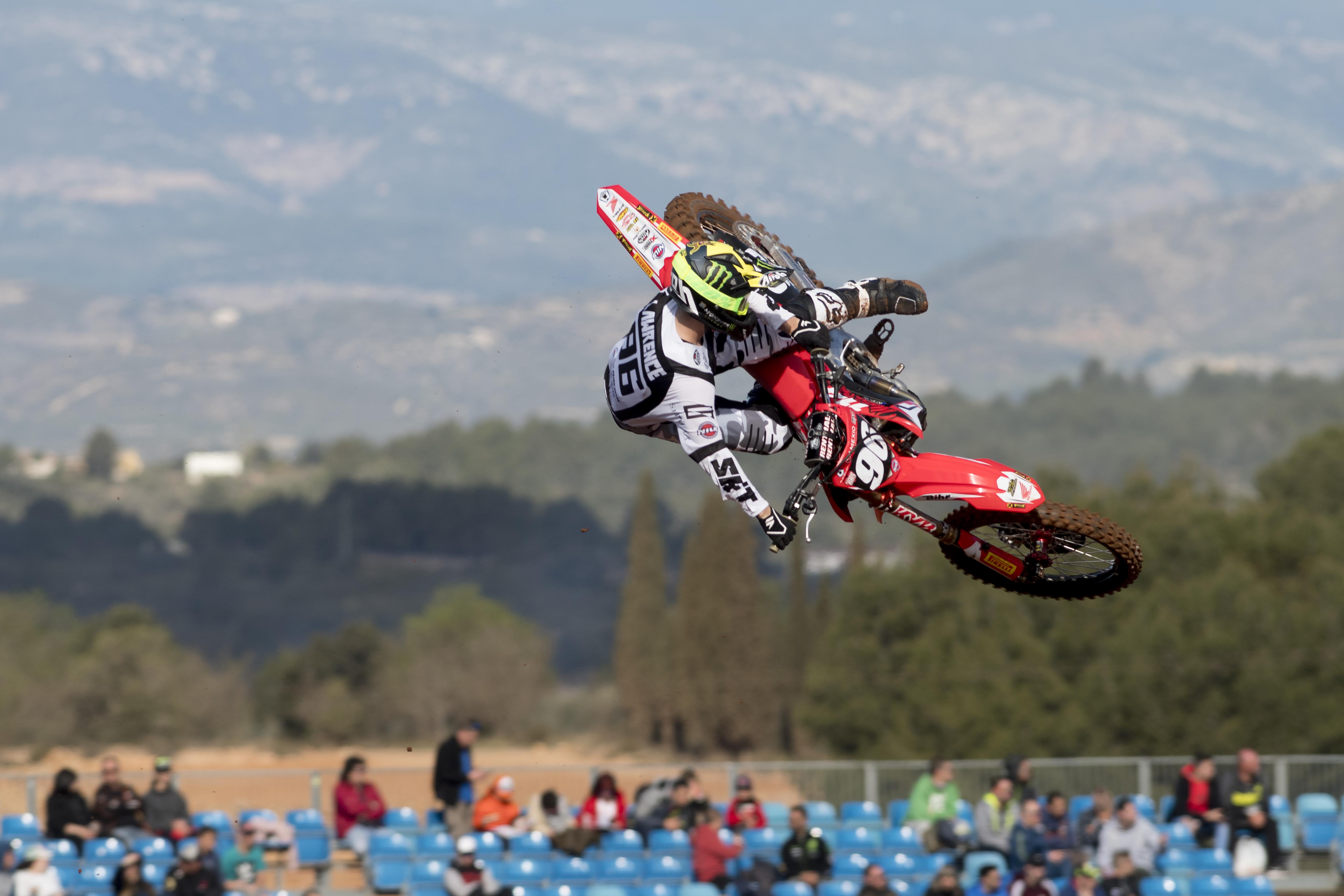 Honda 114 Motorsports - MX2 Red Sand