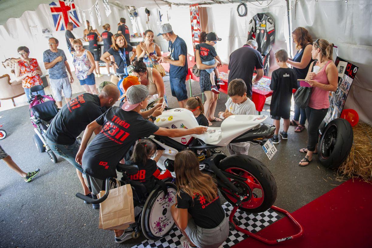 La course moto, une bouffée d'oxygène pour les enfants