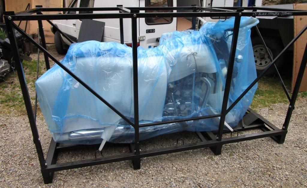 Protection de la moto lors d'un transport par bateau