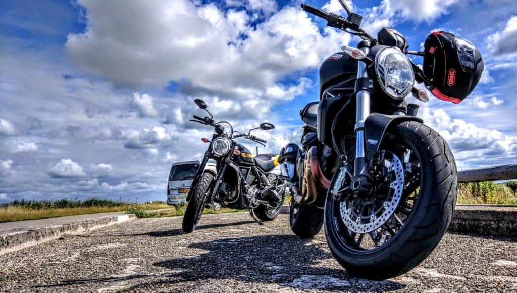 Le plaisir de retrouver des conditions favorables à la moto ne remplace pas la vigilence !