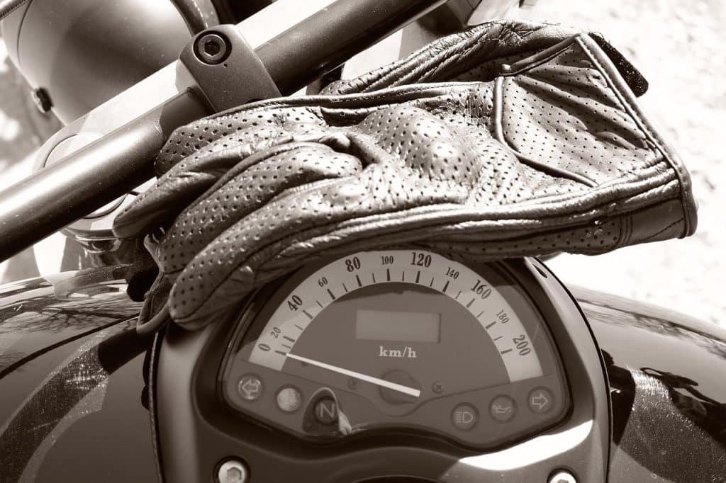 Les températures ne sont pas encore estivales, n'oubliez pas vos gants hiver dans le sac à dos.