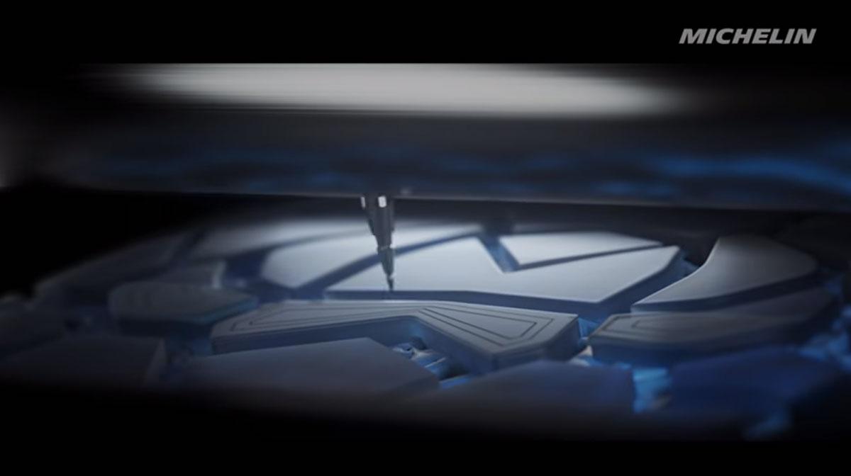 Pneu Michelin imprimé en 3D qui s'adapte à la météo
