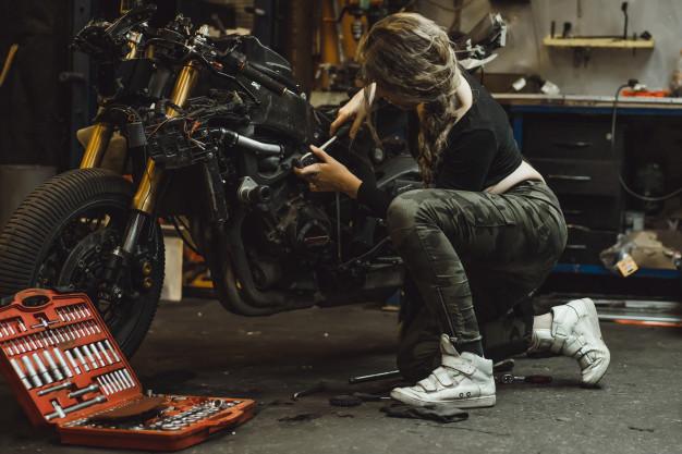 Comment réparer une moto après un gros crash