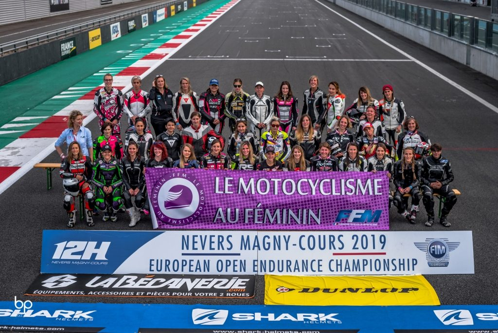 Photos de groupe Women's Cup course 2 - Nevers Magny-Cours ©BackPixel