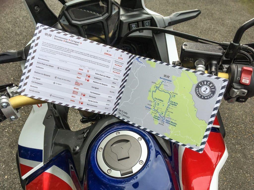 Roadbooks offerts sur le festival ©Alpes Aventure Motofestival
