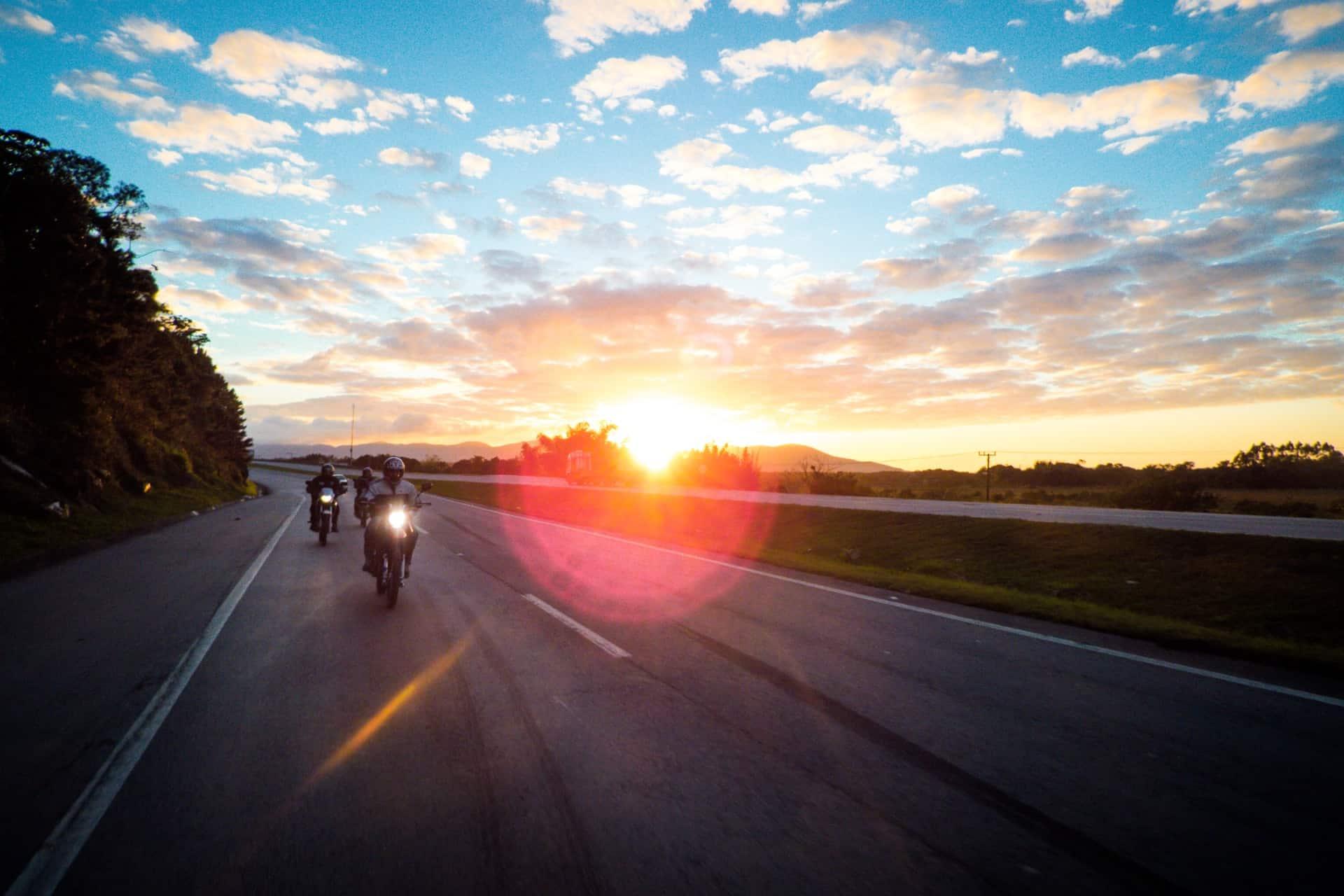 balade moto ©rafael-lopes-de-lima-unsplash